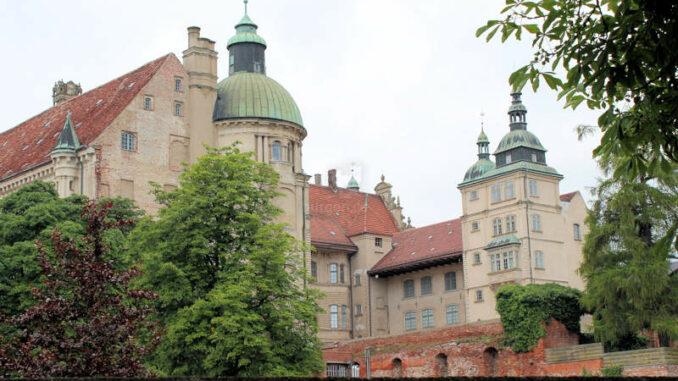 Schloss-Guestrow_9148_Innenhof-1