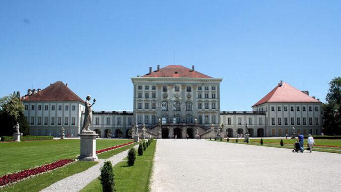 Schloss-Nymphenburg_0096_Rueckseite