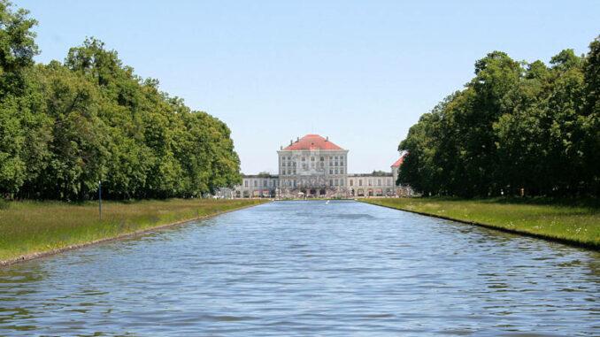 Schloss-Nymphenburg_0142_Rueckseite
