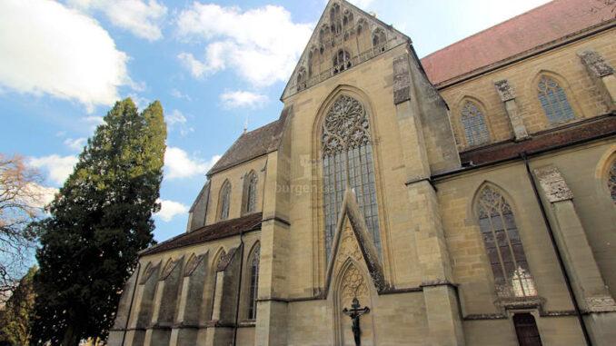 Schloss-Salem_7828_Seitenansicht-Kirche