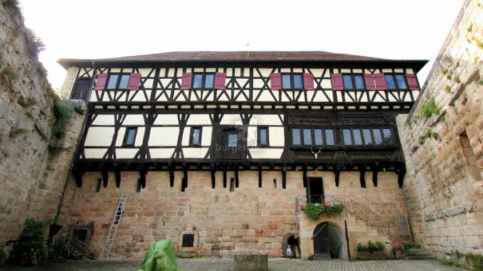 Schloss-Waescherburg_2124_Innenhof