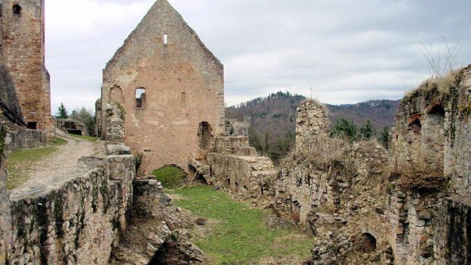 Hochburg_0041_Ruine-1