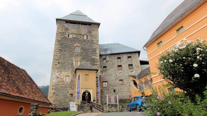 Burg-Deutschlandsberg_2784_Eingang