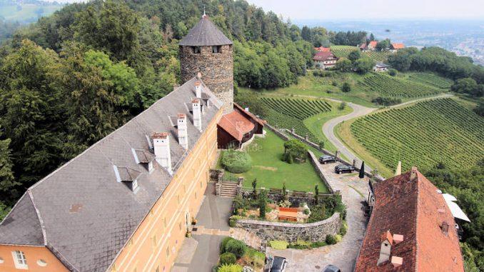 Burg-Deutschlandsberg_2801_Innenhof