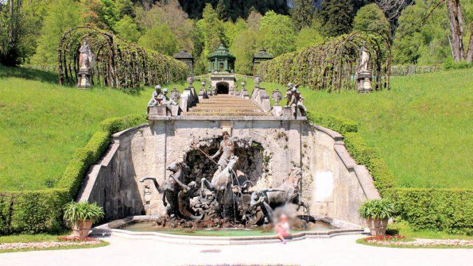 Schloss-Linderhof_9102_Brunnen