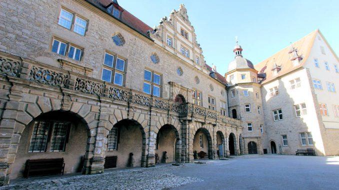 Schloss-Weikersheim_3466_Innenhof-2