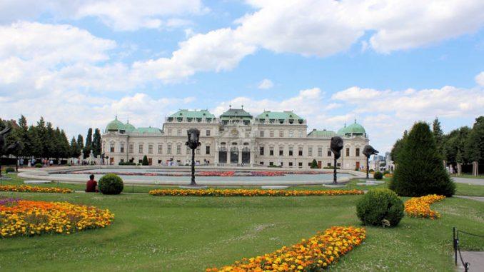 Wien-Belvedere_9278_frontal
