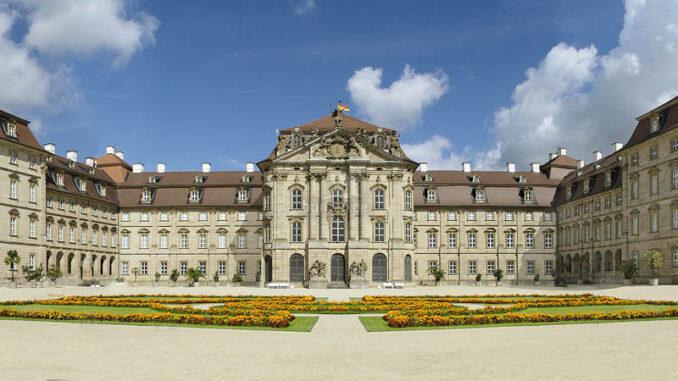 Schloss-Weissenstein_Frontansicht_1539078977
