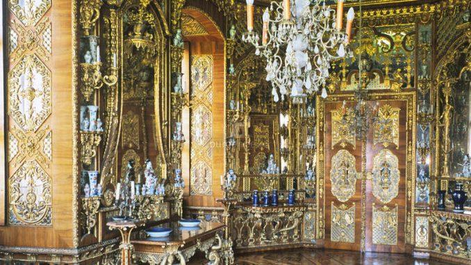 Schloss-Weissenstein_Spiegelkabinett_1539078981