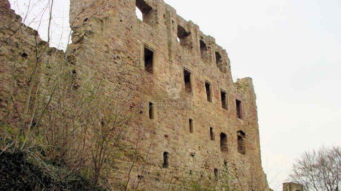 Burg-Hardenberg_Aussenwand-Palas_0006