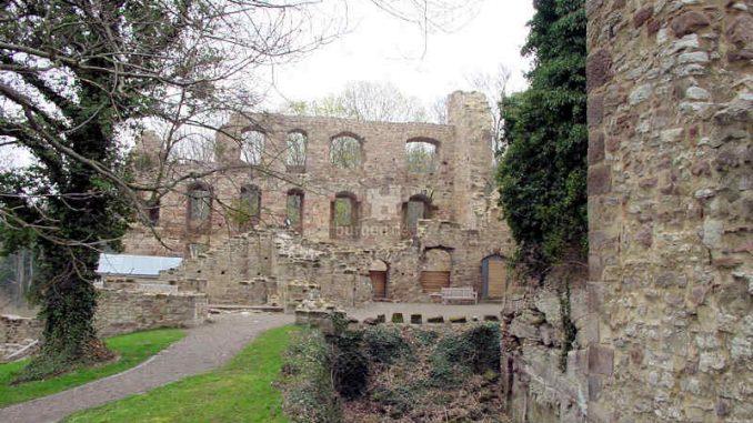 Burg-Hardenberg_Innenhof-2_0012