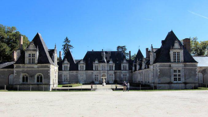 Chateau-Villesavin_6996_Frontalansicht