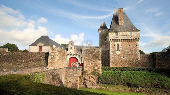Chateau-de-Goulaine_8407_Frontal