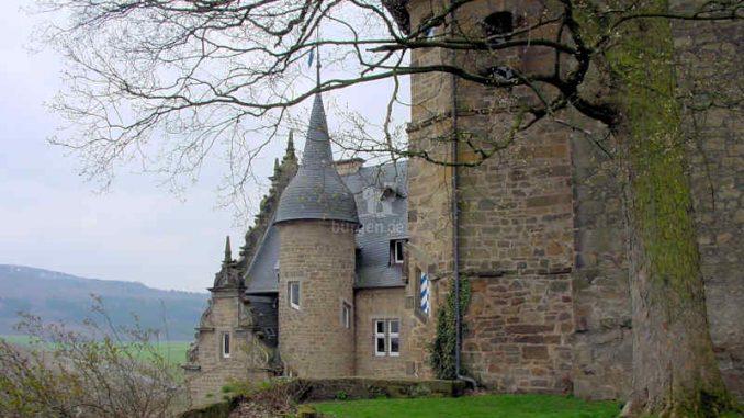 Schloss-Adelebsen_Seitenansicht_0051