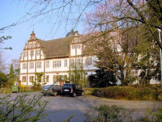 Schloss Bevern, Niedersachsen - Torhaus und Front