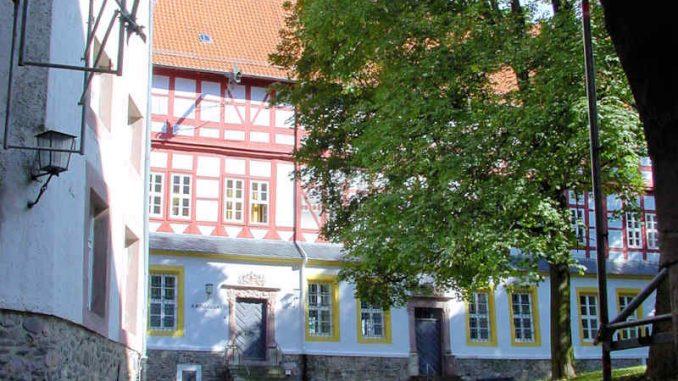 Schloss-Herzberg_Innenhof_0002