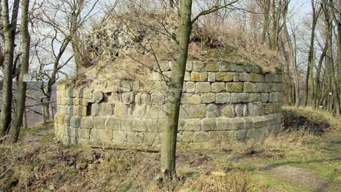 Burg-Anhalt_0022_Turmfundament