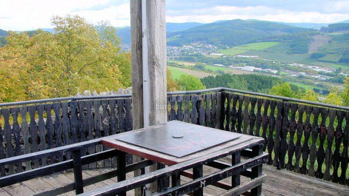 Burg-Eversberg_Ausblick_0091
