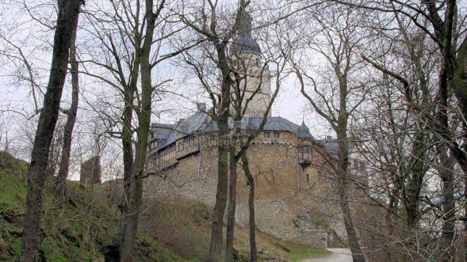 Burg-Falkenstein-Harz_Aufgang-vom-Parkplatz_0037