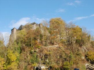 Burg Monschau - trutzige Burg © Eveline de Bruin/ Pixabay