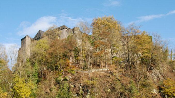 Burg-Monschau_Burg-auf-dem-Berg_c-Eveline-de-Bruin-auf-Pixabay_800
