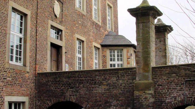 Burg-Vondern_Bruecke_0012