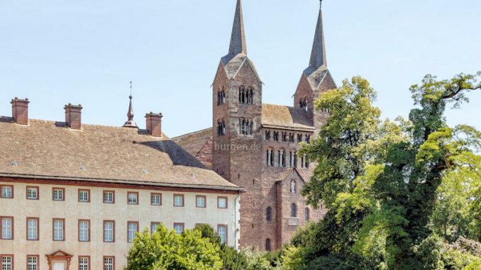 Corvey-Abbey-12_c-CEphoto-Uwe-Aranas-WikiCommons_800