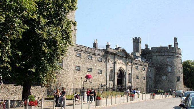 Kilkenny-Castle_9371_Vorderseite