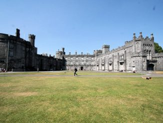 Kilkenny Castle, Irland - Südseite