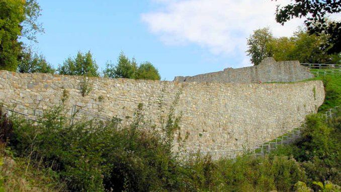 Schloss-Arnsberg_Schildwall_0092
