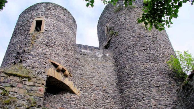 Frauenburg_Two-Towers_0071