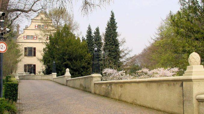 Schloss-Landsberg_Auffahrt_0051