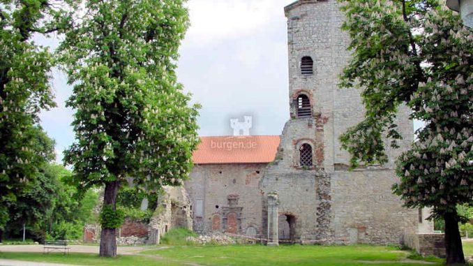 Burg-Hessen_Bergfried_0038