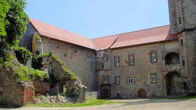 Burg-Hessen_Mauerfragmente_0034