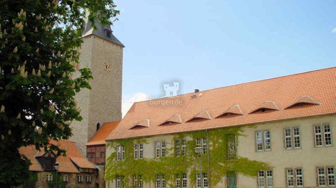 Burg-Hessen_Seitengebaeude_0035