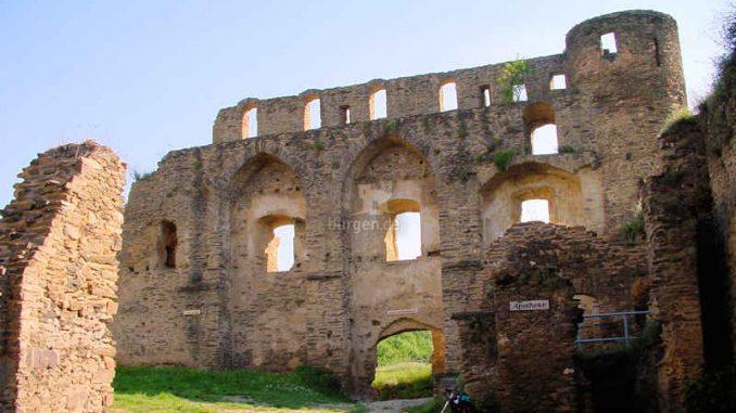 Burg-Rheinfels_Fassade_0006