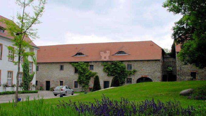 Burg-Wanzleben_Innenhof_0076