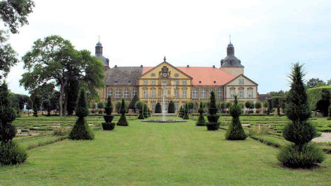 Hundisburg_Brunnen_1227