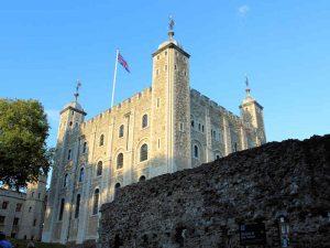 Tower of London, Seitenansicht des White Tower