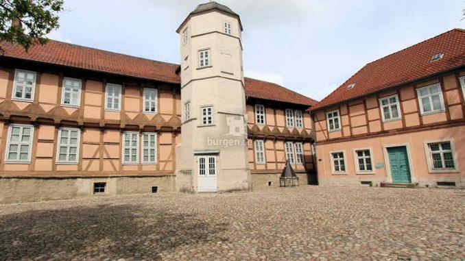 Schloss-Fallersleben_Innenhof_3958