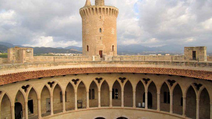 Bellver-Mallorca_Innenhof-von-oben_1428