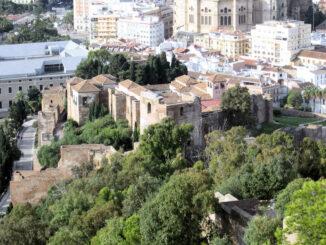 Malaga - Zitadelle und Blick auf die Stadt