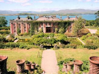 Bantry House and Gardens, Irland - Blick auf die prächtigen Gärten