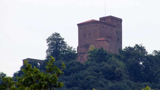 Burg-Trifels_flickr-tuxbrother_2892667334_66128c0777_800