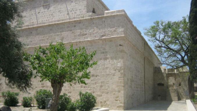 Lemesos-Castle_Eingang_8668