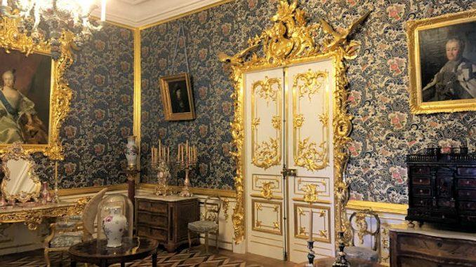 Schloss-Peterhof_blauer-Salon_1345