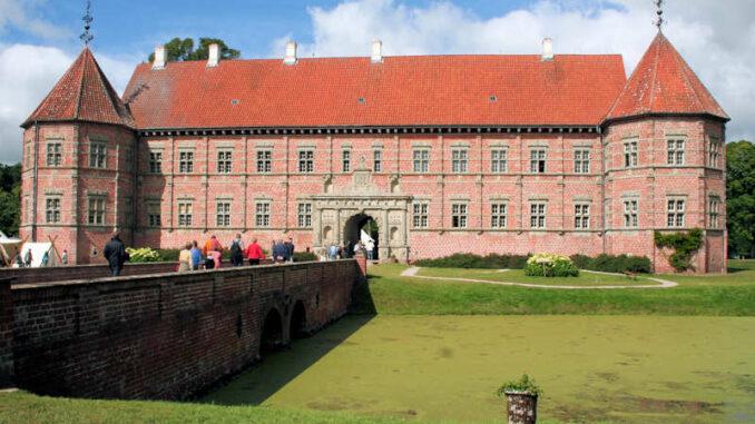 Schloss-Voergaard_Vorderseite_7569