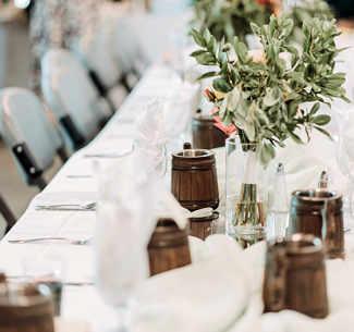 Auch Hochzeiten werden auf Burgen & Schlösser traumhaft © Gades/unsplash