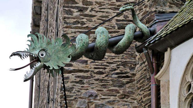 Burg-Eltz_flickr.diarnst_15604883208_6c2a98dd0d_800