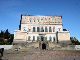 Palazzo Farnese, Caprarola (Italien) - Frontalansicht und Eingang